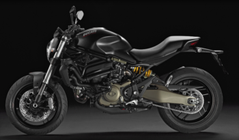 MONSTER 821 DARK pieno
